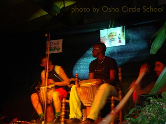 Osho-circle-school afro concert