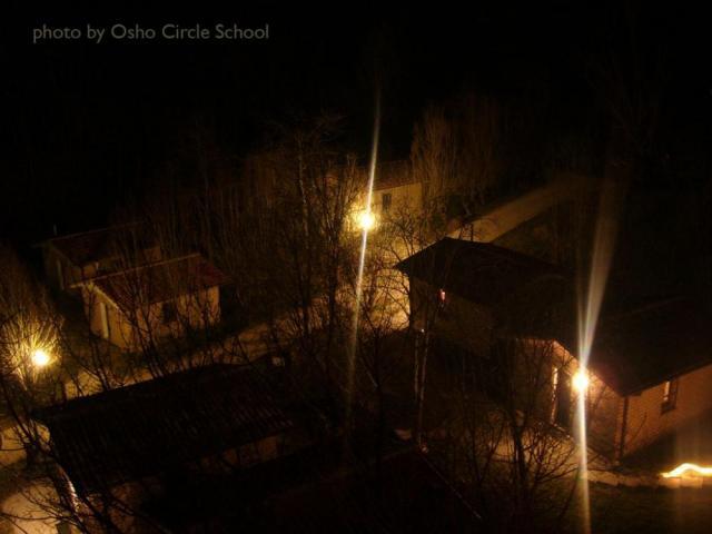 Osho-circle-school cottages night
