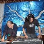 Osho-circle-school disco in Donai