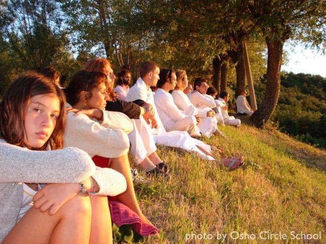 Osho-circle-school meditation 02