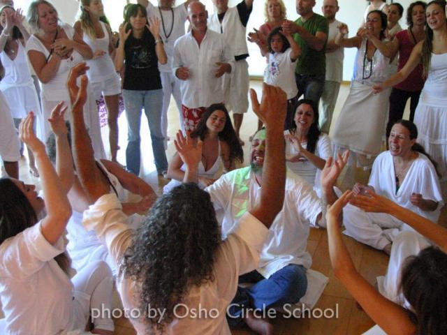 Osho-circle-school meditation 09