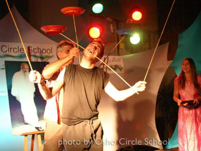 Osho-circle-school show 07